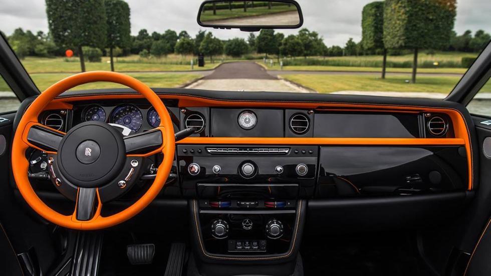 Rolls-Royce Phantom Drophead Coupé Beverly Hills Edition interior