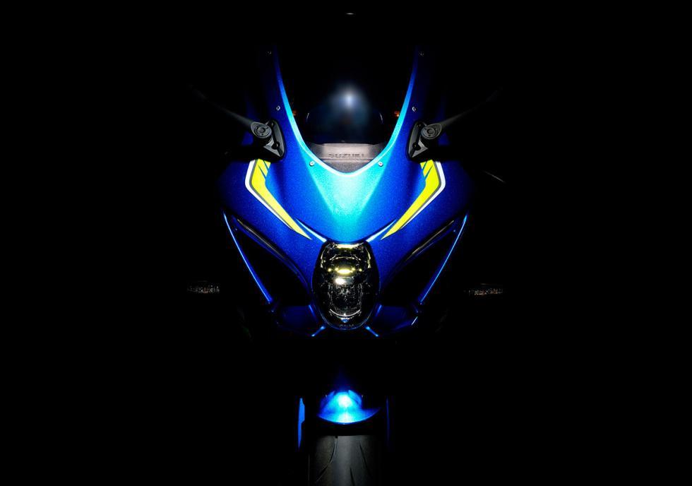 Suzuki-GSX-R1000-2017-1