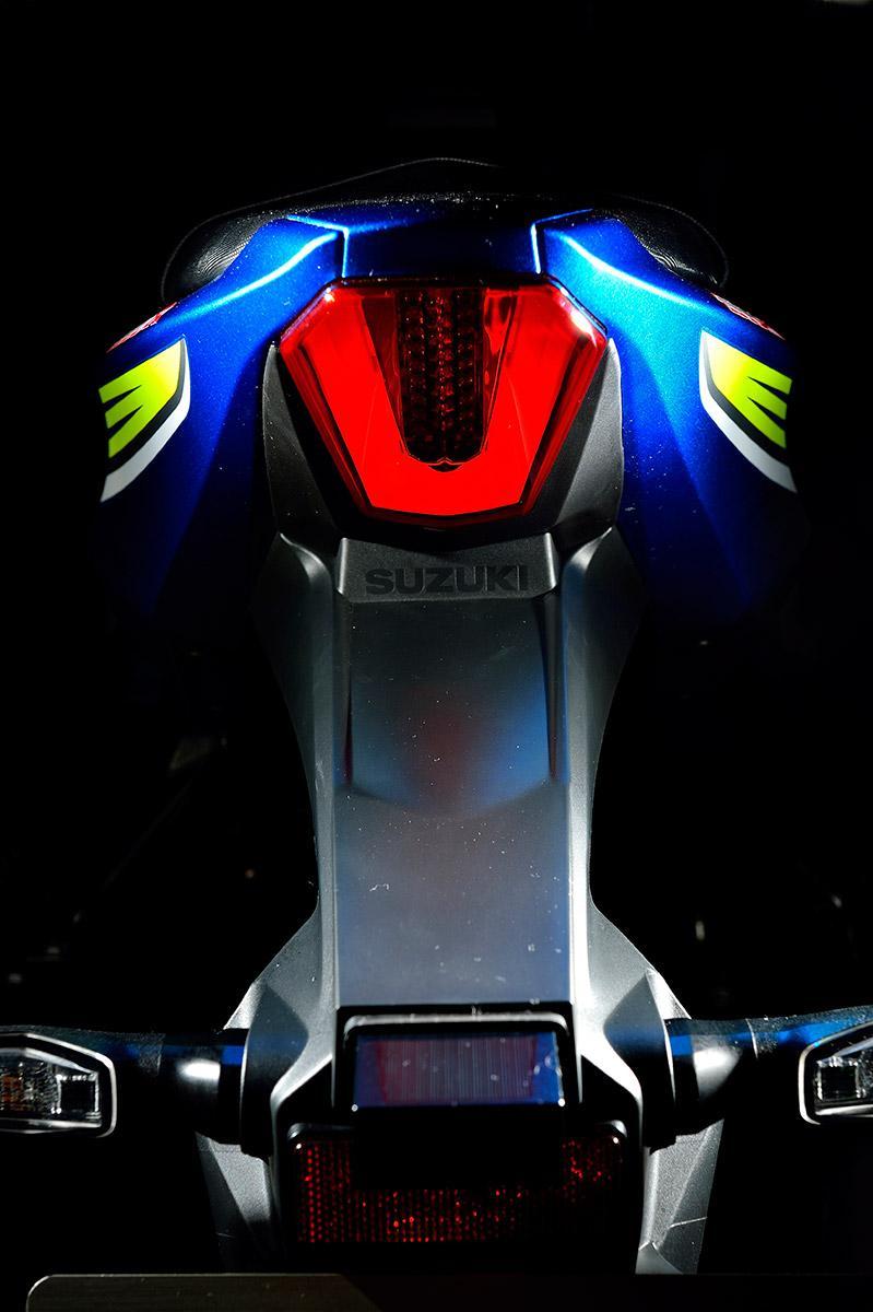 Suzuki-GSX-R1000-2017-6