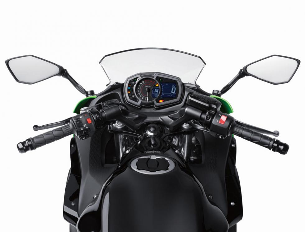 Kawasaki-Ninja-650-2017-2
