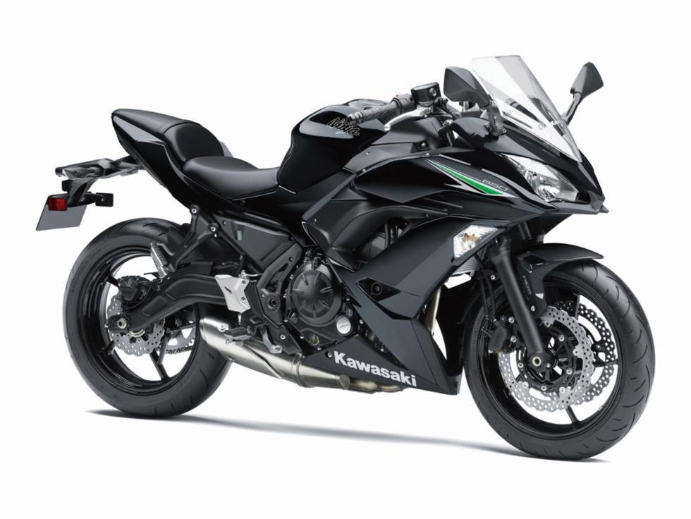 Kawasaki-Ninja-650-2017-8
