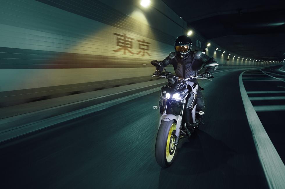 Yamaha-MT-09-2017-4