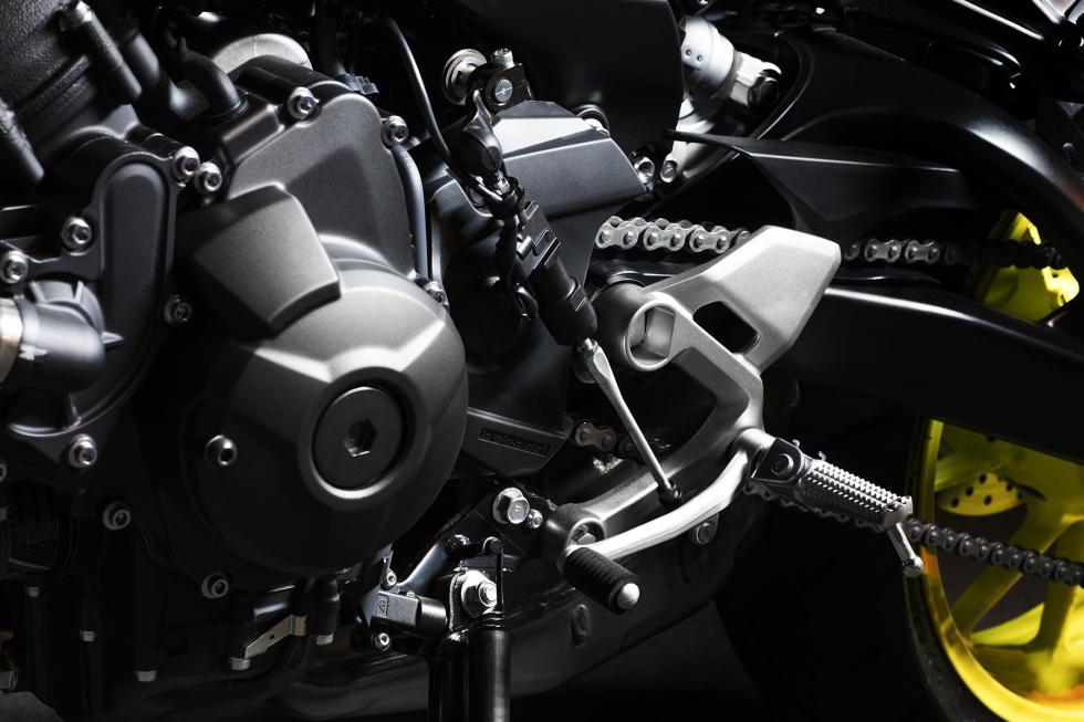 Yamaha-MT-09-2017-6