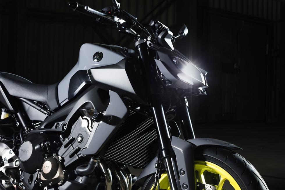 Yamaha-MT-09-2017-1