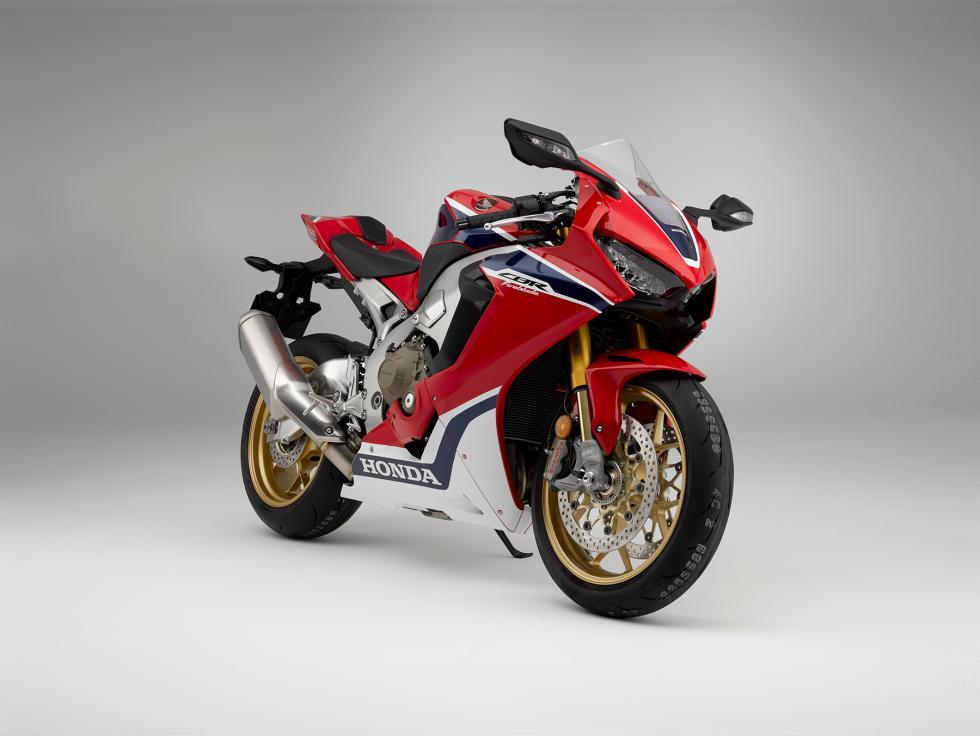 Nueva-Honda-CBR1000RR-2017-1