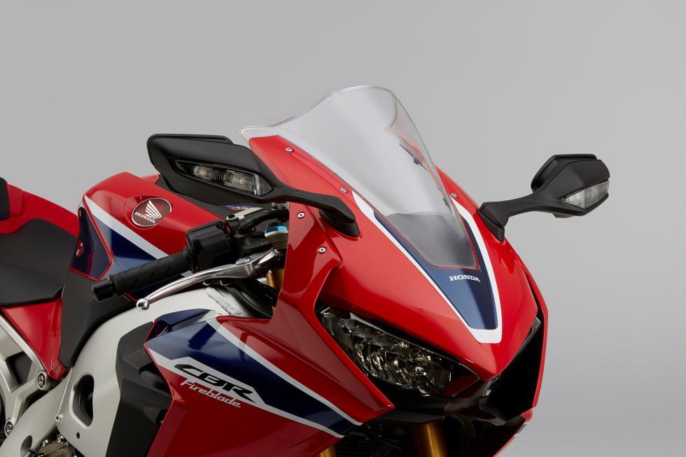 Nueva-Honda-CBR1000RR-2017-4