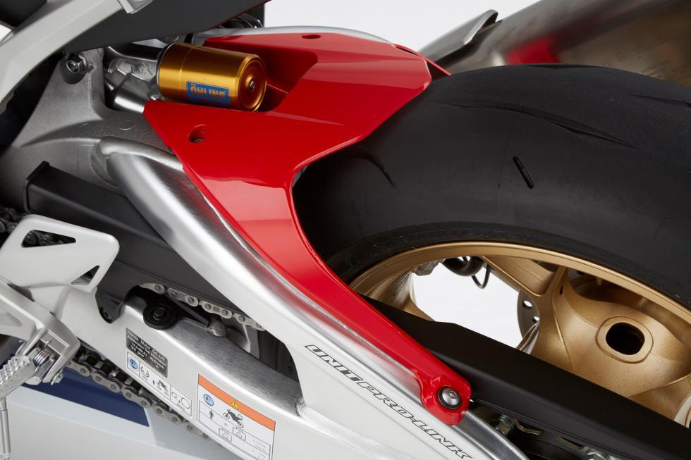 Nueva-Honda-CBR1000RR-2017-5