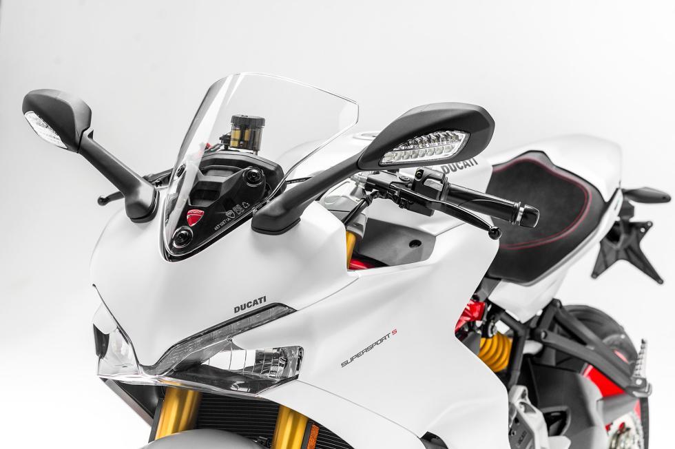 Ducati-SuperSport-2017-8