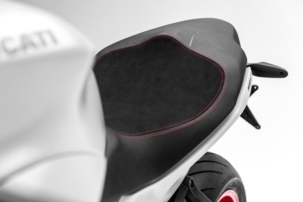 Ducati-SuperSport-2017-9