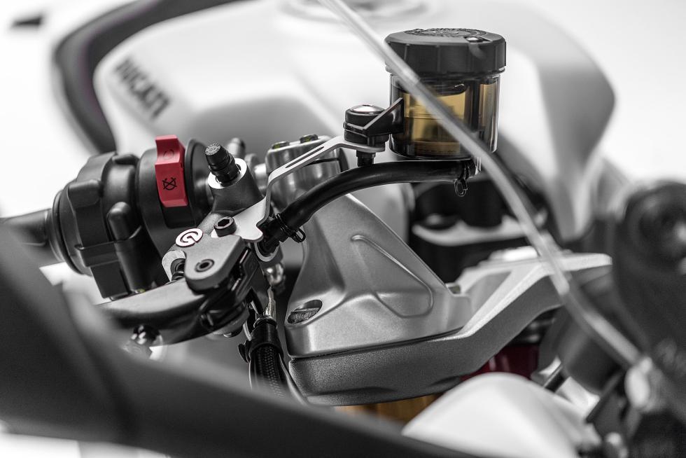 Ducati-SuperSport-2017-10
