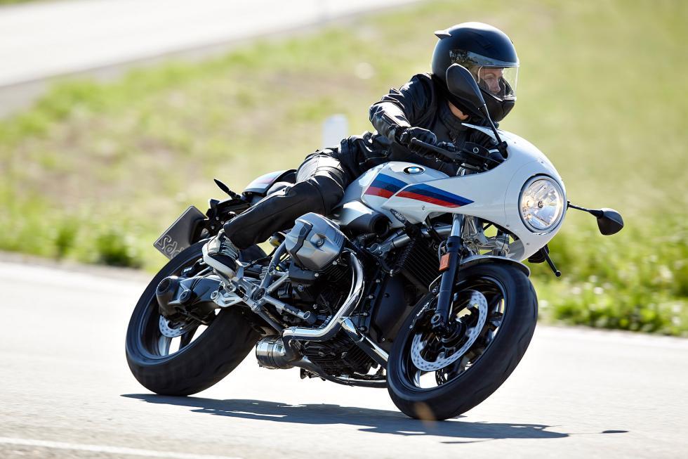 BMW-R-nineT-Racer-2017-3