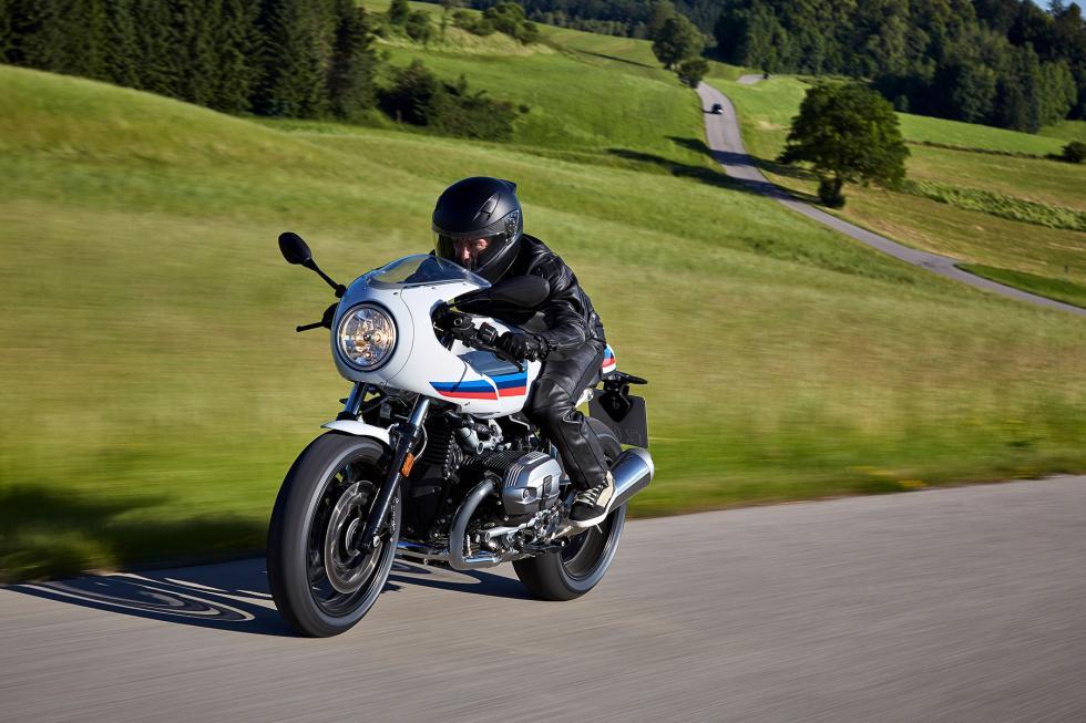BMW-R-nineT-Racer-2017-4