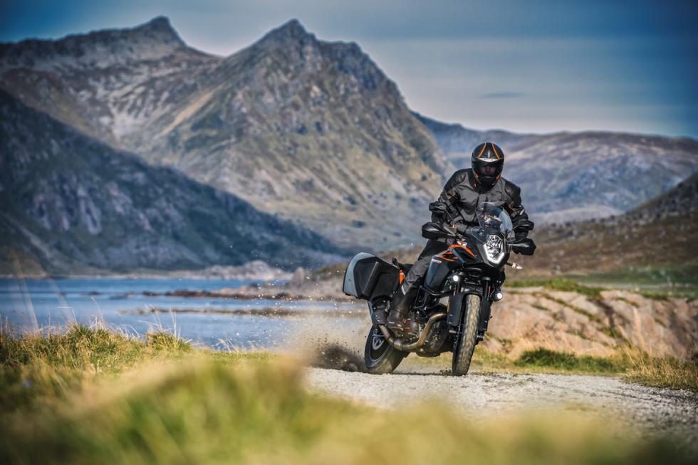 KTM-1290-Super-Adventure-2017-4