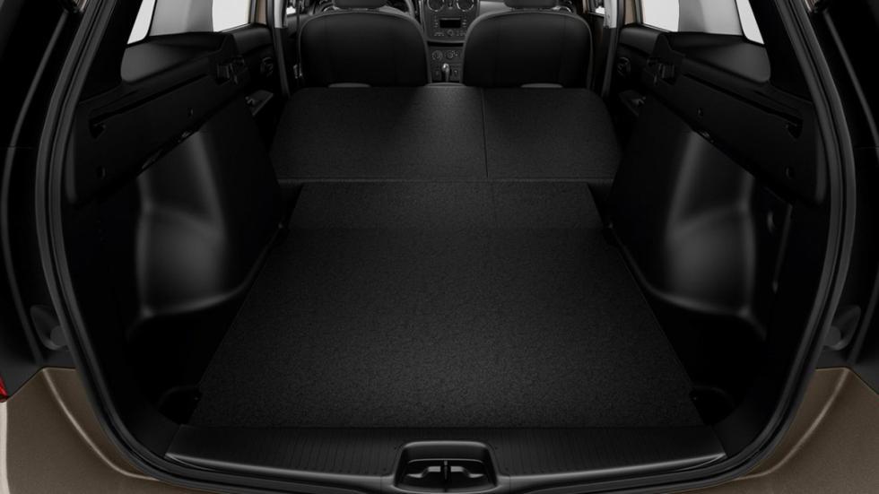 coches caben tres sillas infantiles Dacia Logan MCV interior