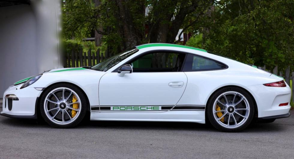 Porsche lateral