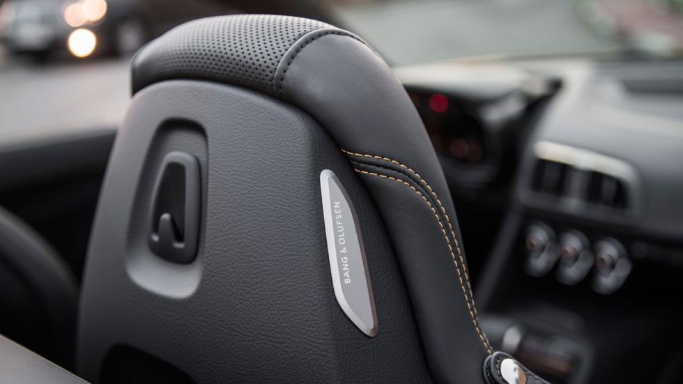 Prueba Audi R8 V10 Spyder 2017 altavoz asiento
