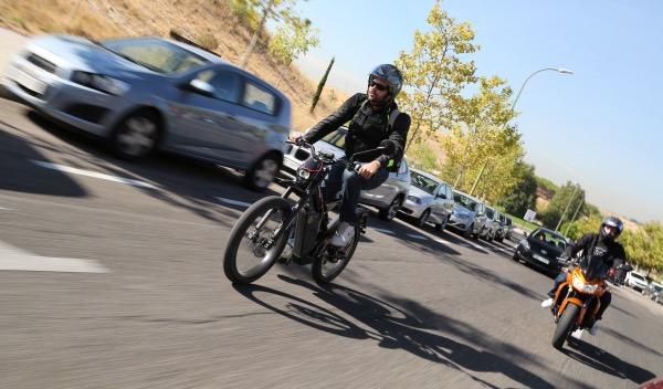 Prueba-Bultaco-Brinco-S-homologada-calle-moto-bici