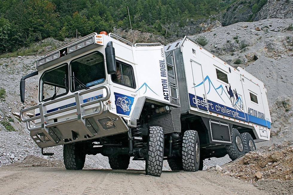 Desert Challenger 12 metros de largo. 1,5 millones de euros. 30 toneladas. 600 C