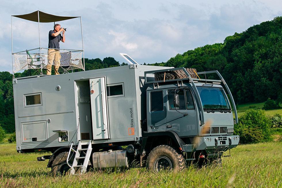 Bliss Mobil es otro de los preparadores que crean autocaravanas radicales.