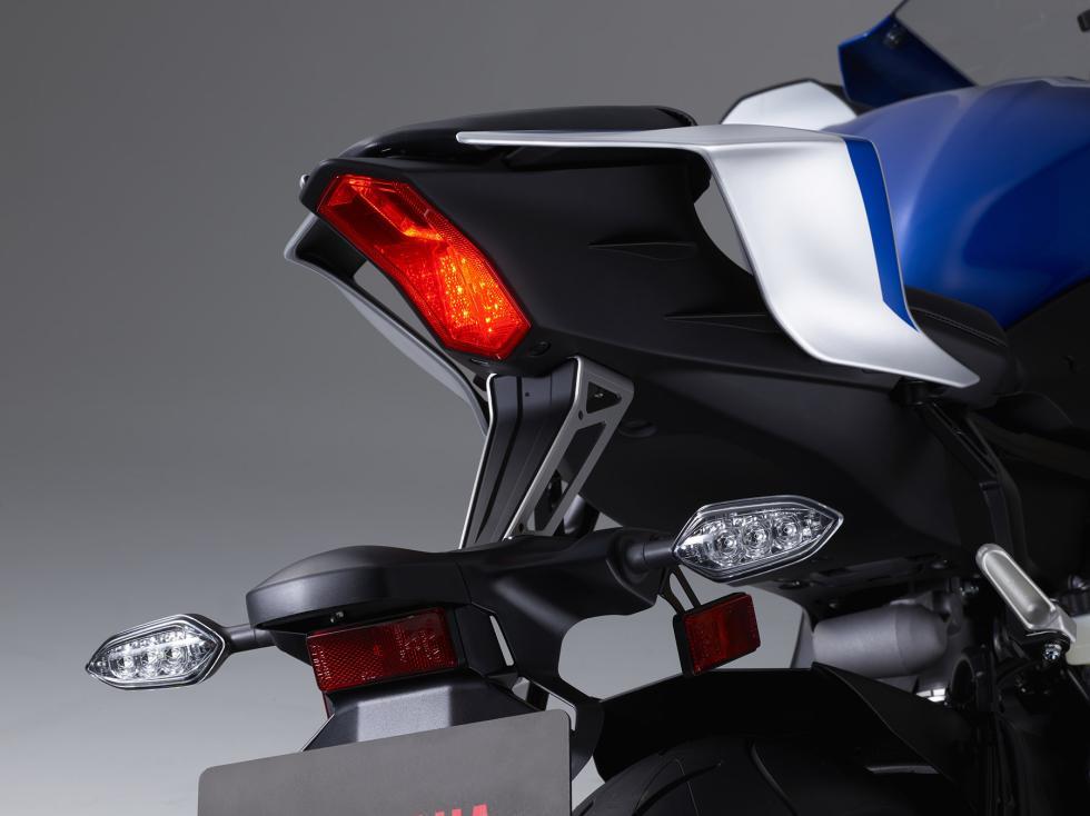 Yamaha-YZF-R6-2017-11