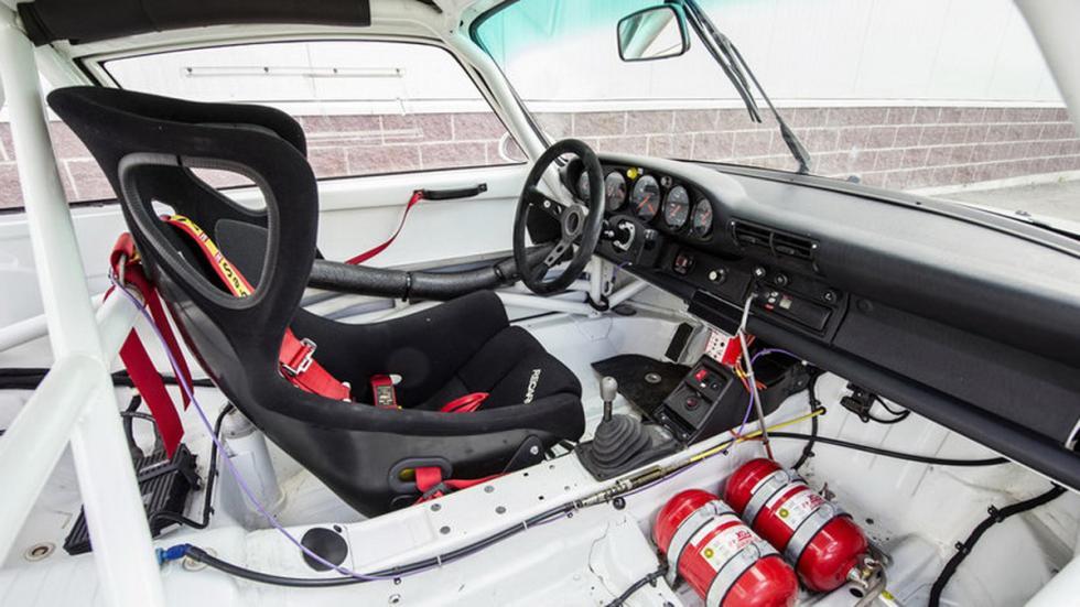 subasta Porsche 911 GT2 Evo habitáculo