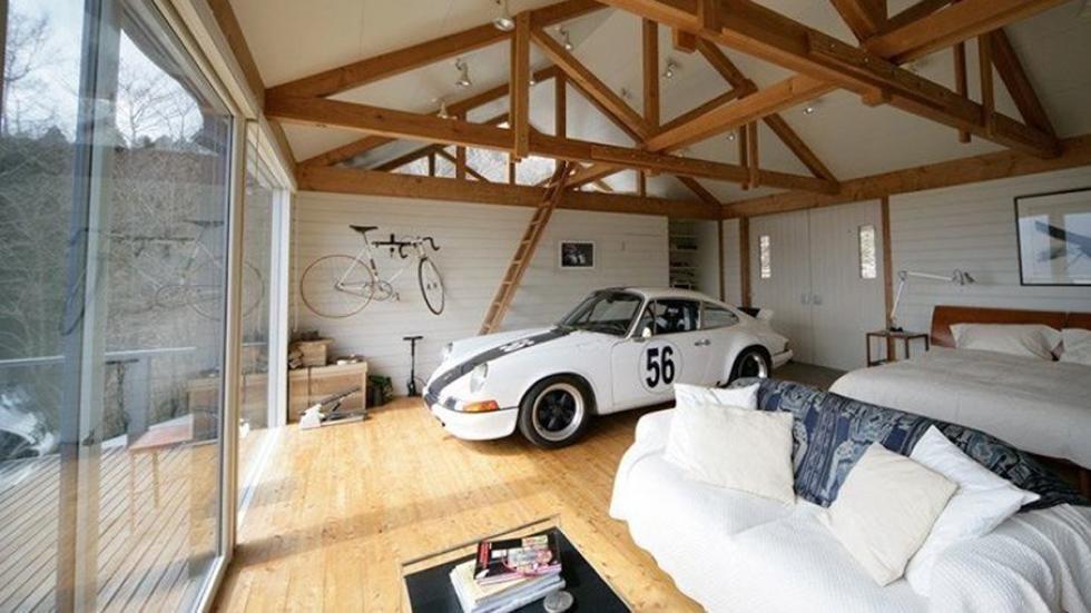 casas-ensueño-garaje-salón-porsche-japón