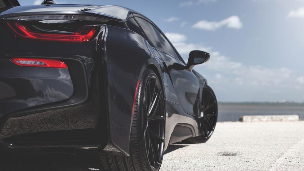 BMW i8 con ruedas HRE