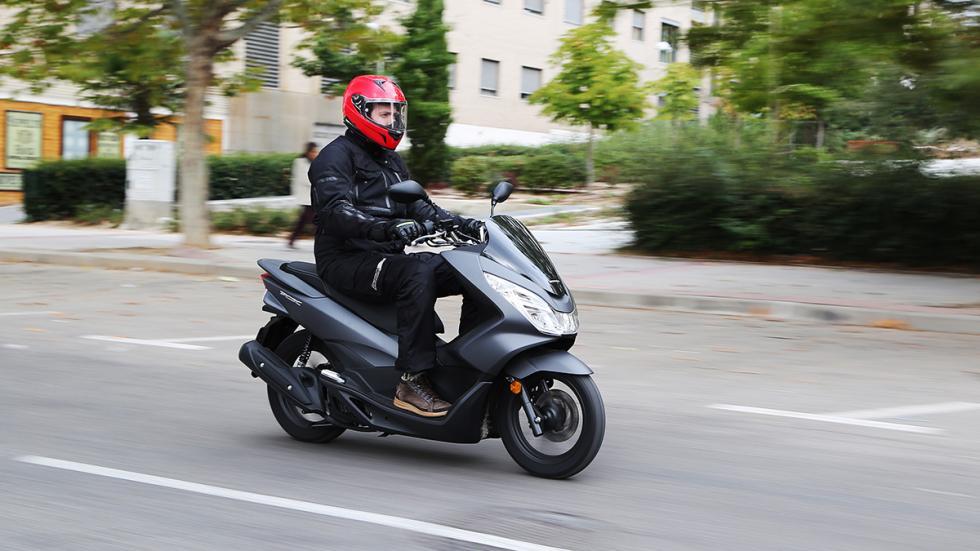 Prueba-Honda-PCX-125-acción