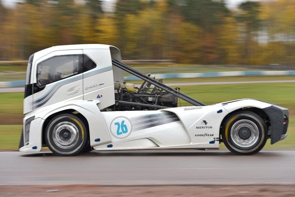 Prueba. Volvo Iron Knight. El camión más rápido del mundo