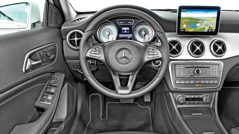 Mercedes GLA salpicadero