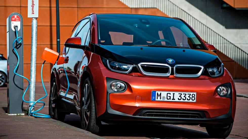 BMW i3 94 Ah 2016 2017 coches eléctricos cargadores cargando