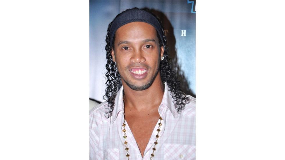 El brasileño Ronaldinho, quien fuera jugador del Barcelona. Foto: Creative Commo