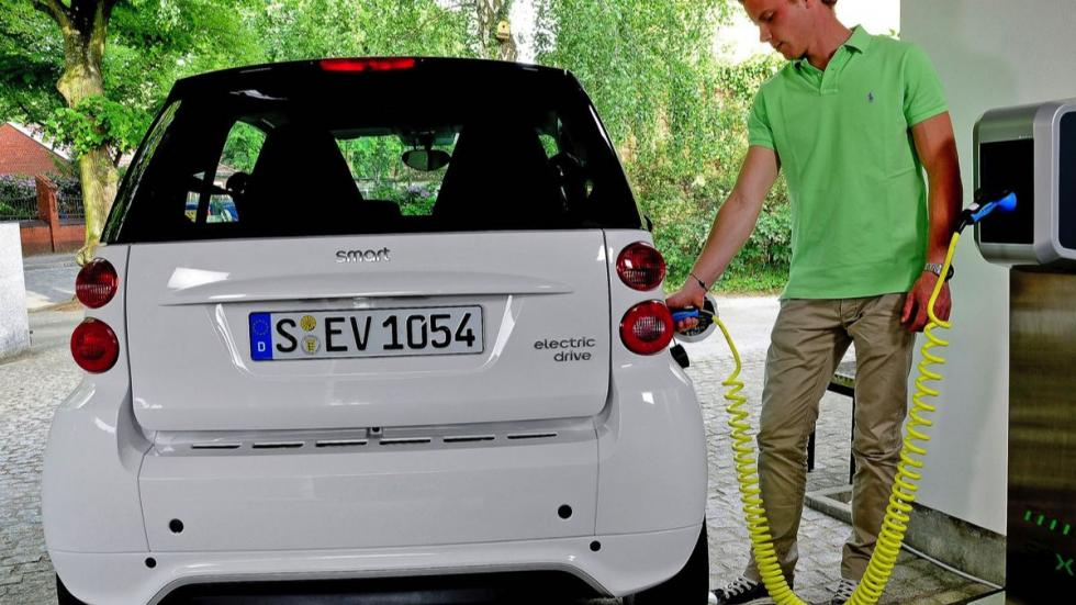 Smart ForTwo Electric Drive carga