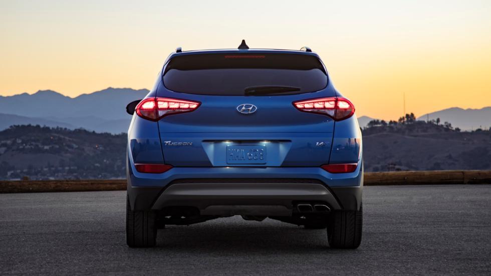 Hyundai Tucson Night trasera