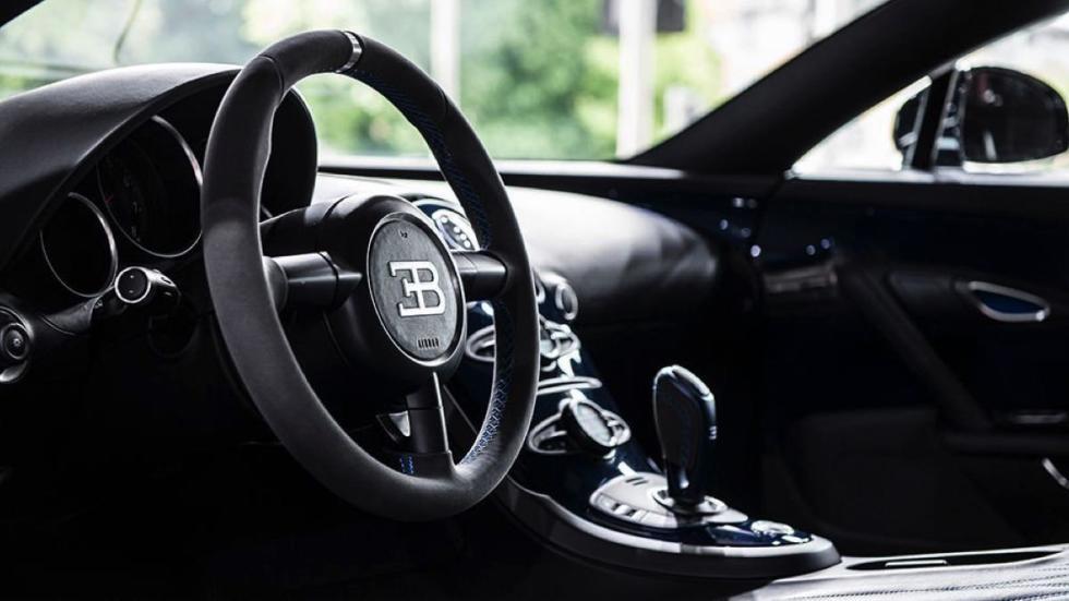 Bugatti Veyron Super Sport Blue Carbon volante