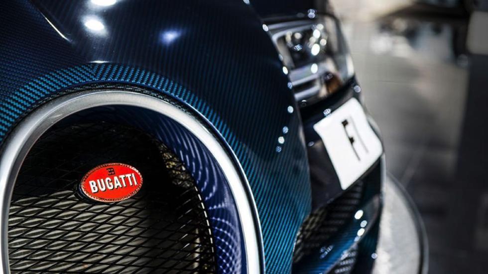 Bugatti Veyron Super Sport Blue Carbon parrilla
