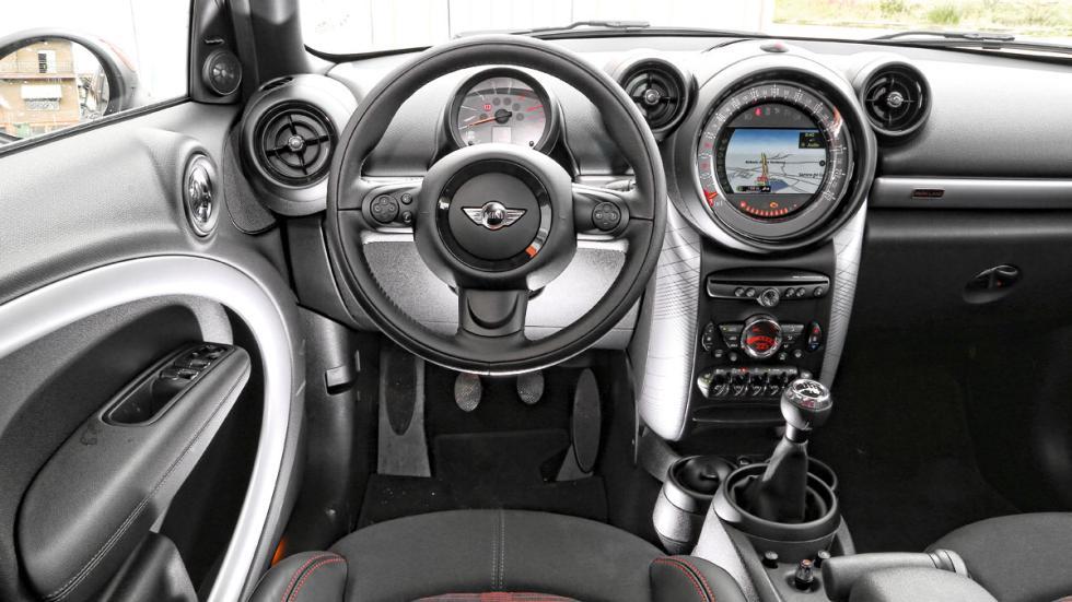 Mini Countryman interior