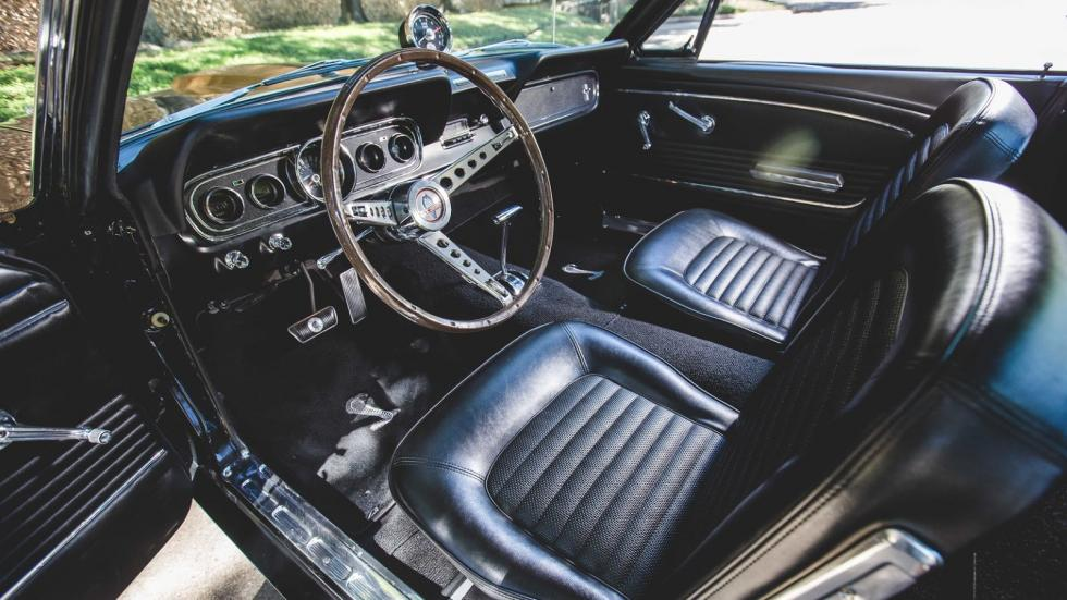 Ford Mustang GT350H Hertz interior
