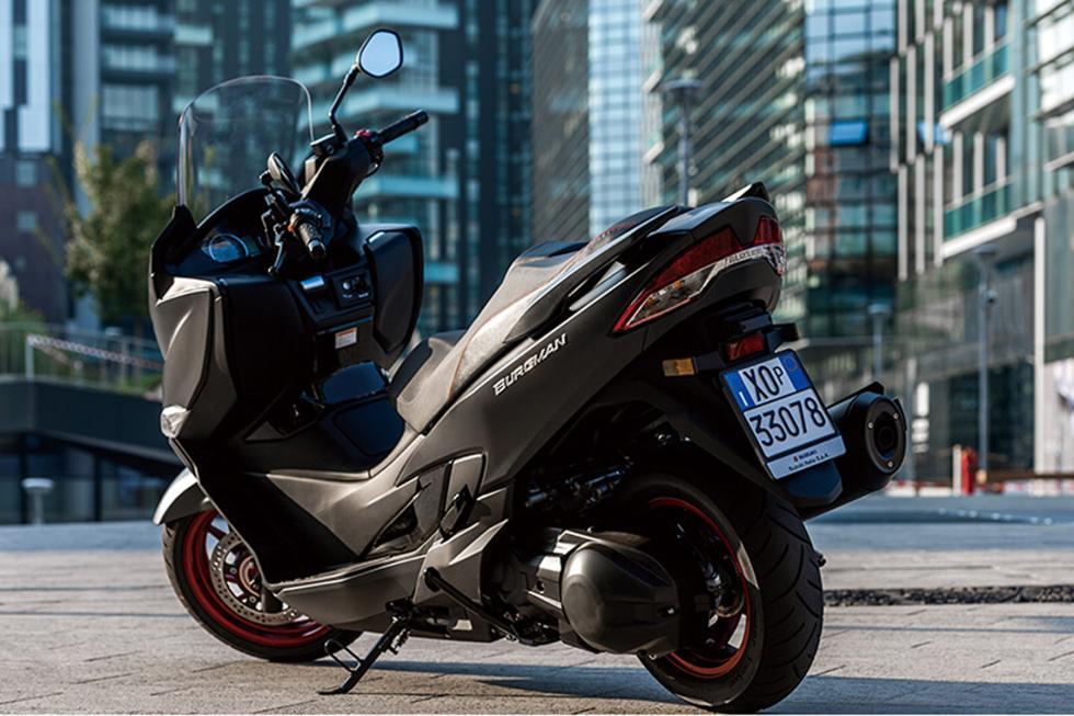 Suzuki-Burgman-400-2017-2
