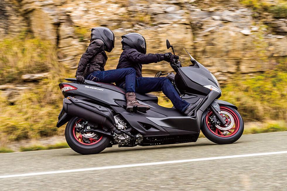 Suzuki-Burgman-400-2017-3
