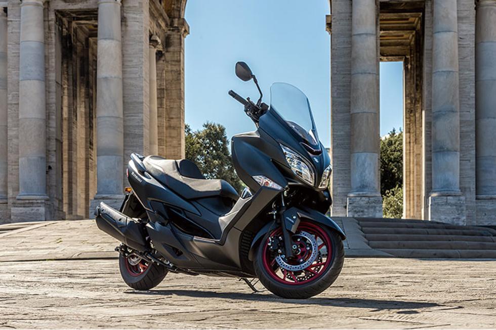 Suzuki-Burgman-400-2017-4