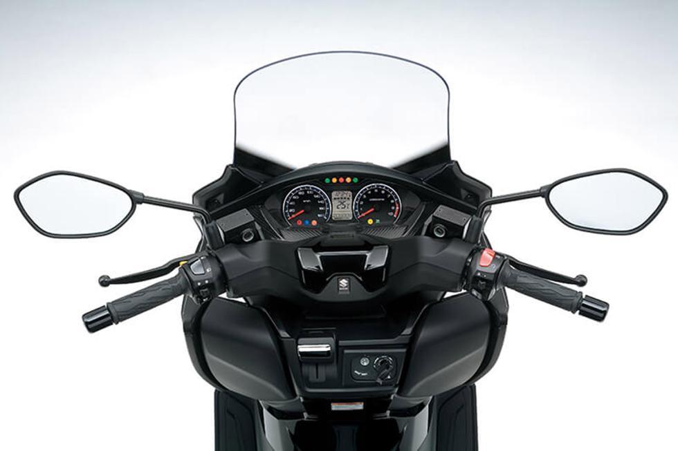 Suzuki-Burgman-400-2017-6