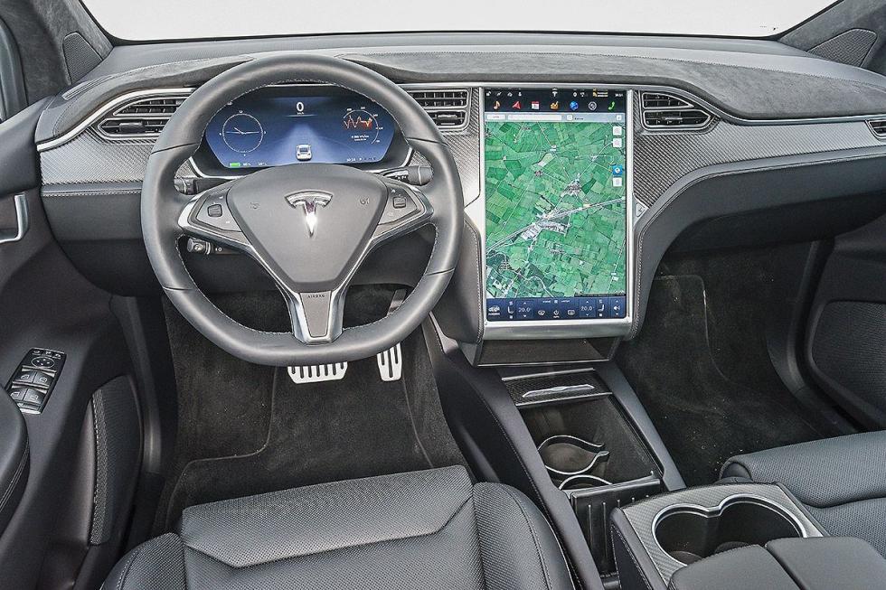 Cara a cara: Tesla Model X vs Audi SQ7