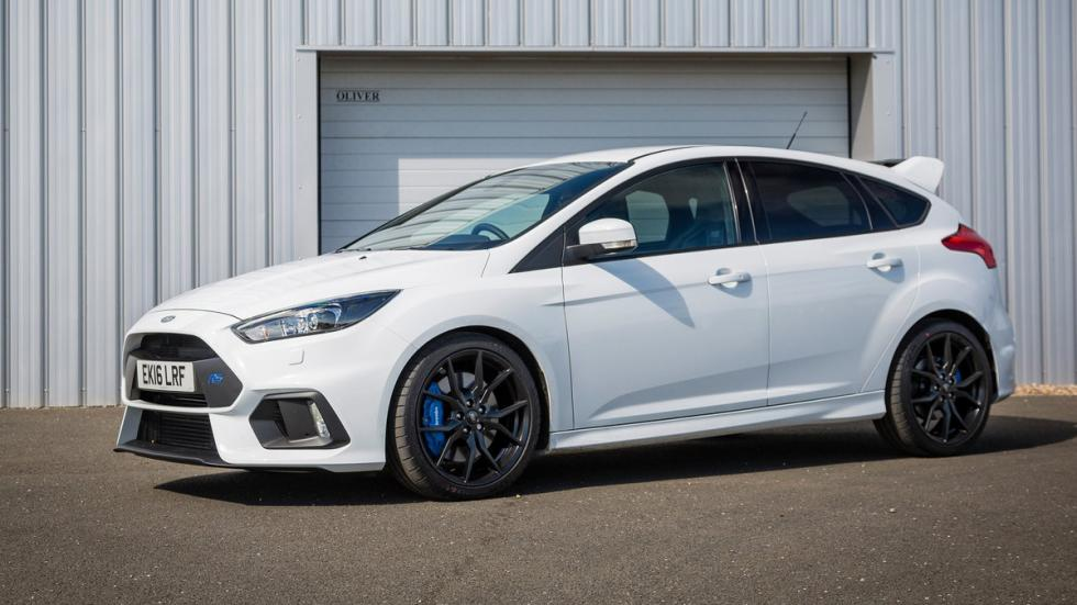 coches-ir-trabajo-divertido-Ford-Focus-RS