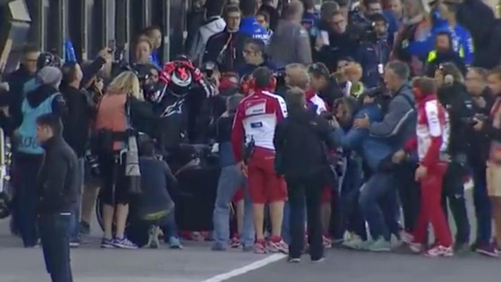 Jorge-Lorenzo-Ducati-2017-MotoGP-primeras-imágenes-equipo-Cheste