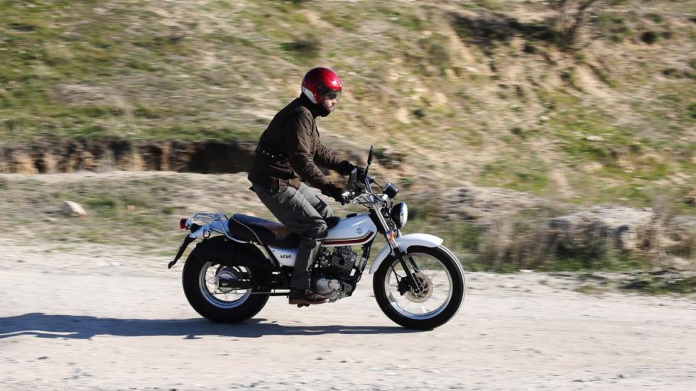 Prueba Suzuki VanVan 125 cc