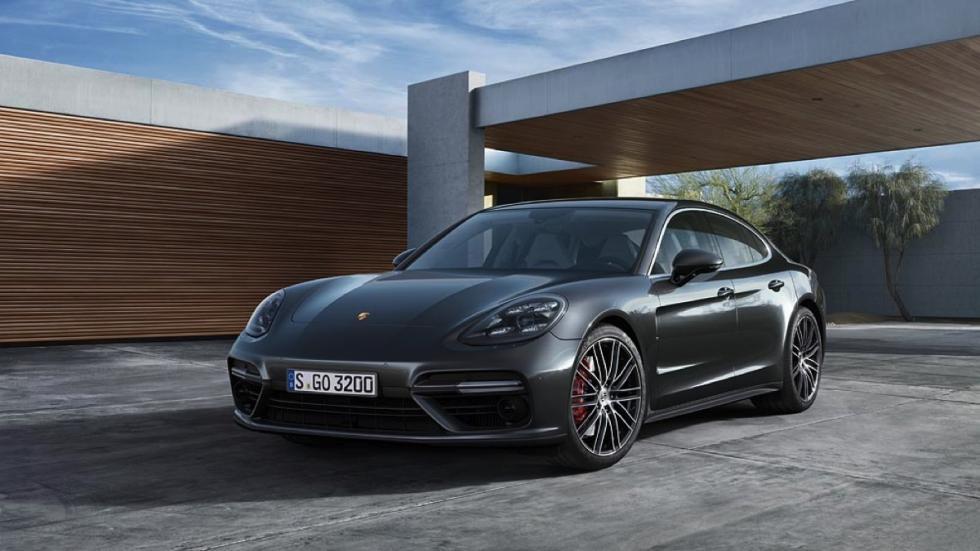 Imágenes novedades Salón Los Ángeles 2016 Porsche Panamera 2017
