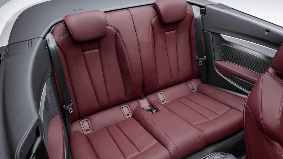 Audi A5 Cabrio 2017 habitáculo asientos traseros