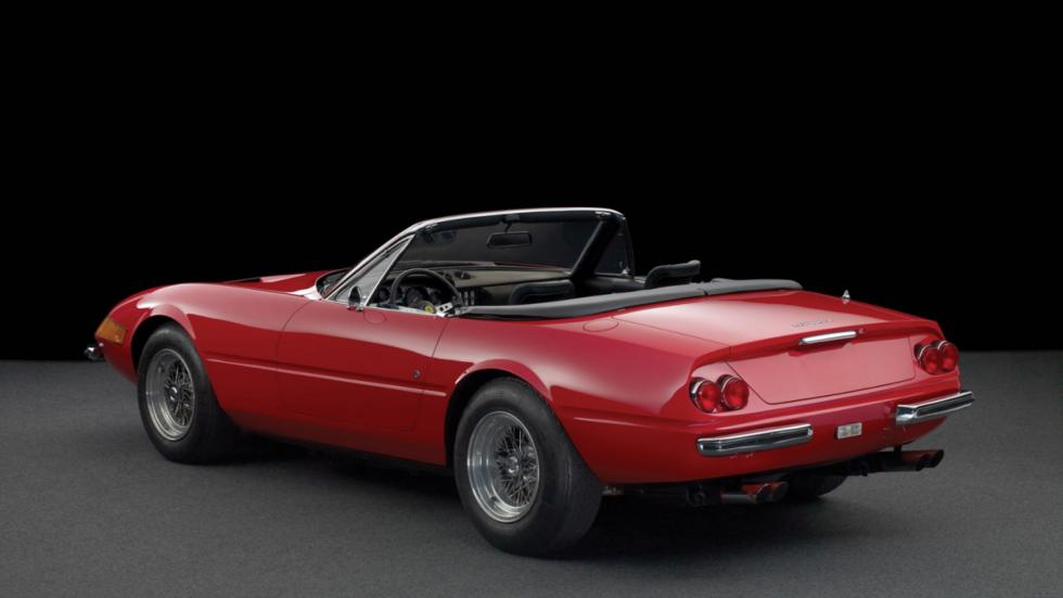Ferrari Daytona Spider tres cuartos traseros