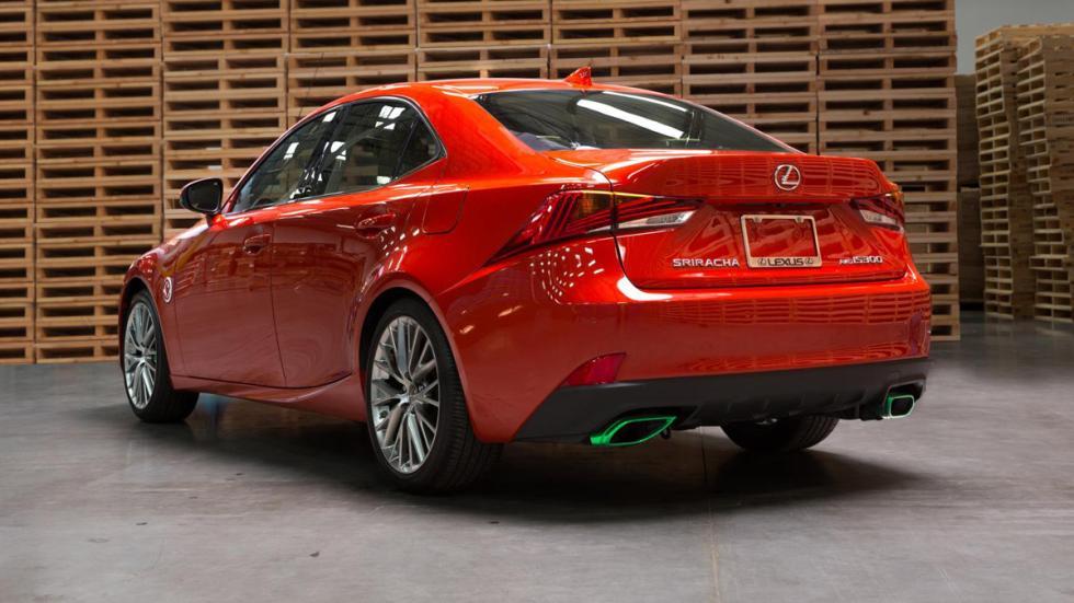 peores-coches-salón-los-ángeles-2016-Lexus-IS-Sriracha-zaga